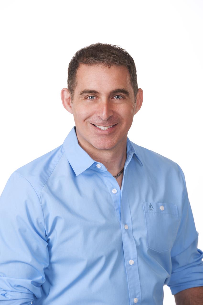 Dr Hugues Degrace<h3>Dentiste propriétaire</h3>